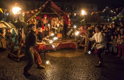 Tavern play - All ministrels, jesters & knights show their art again