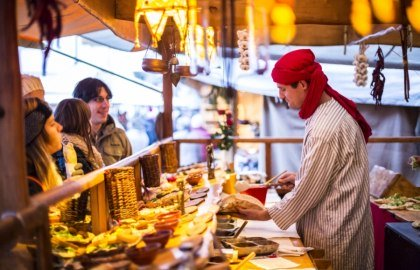 Eat like in the Orient with falafel and pakora